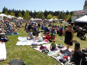 You can bring a blanket and picnic meal, or get a wide choice of food and beverages at the Festival.