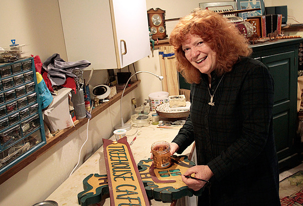 <i>Podcast: Arts and Artists:</i> <br>2016 Island Treasure Denise Harris has done it all