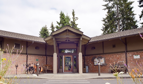 <i>Podcast: What's Up Bainbridge: </i><br>Book-Lovers Night Out fundraiser for Bainbridge Public Library February 8