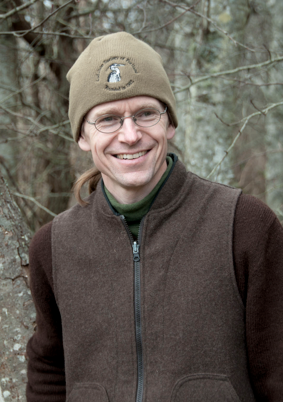 <b>BUZZ author Thor Hanson will talk about bees at Eagle Harbor Books July 13<b/>